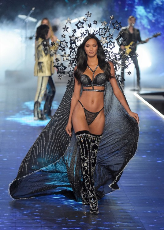 Lais Ribeiro modeling at the Victorias's Secret Fashion Show 2018