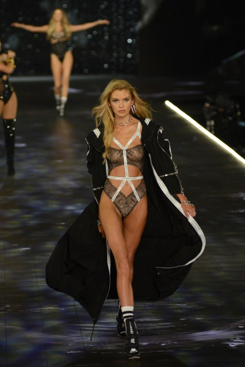 Stella Maxwell modeling at the Victorias's Secret Fashion Show 2018