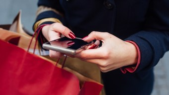 Top 8 Smartphone Apps Every Fashionista Needs