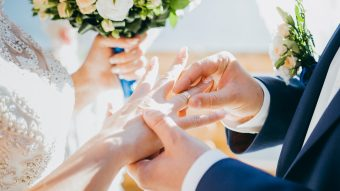 The Pros and Cons of Getting Married in Colleges