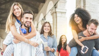 5 Ways to Stay in Touch With Friends After College
