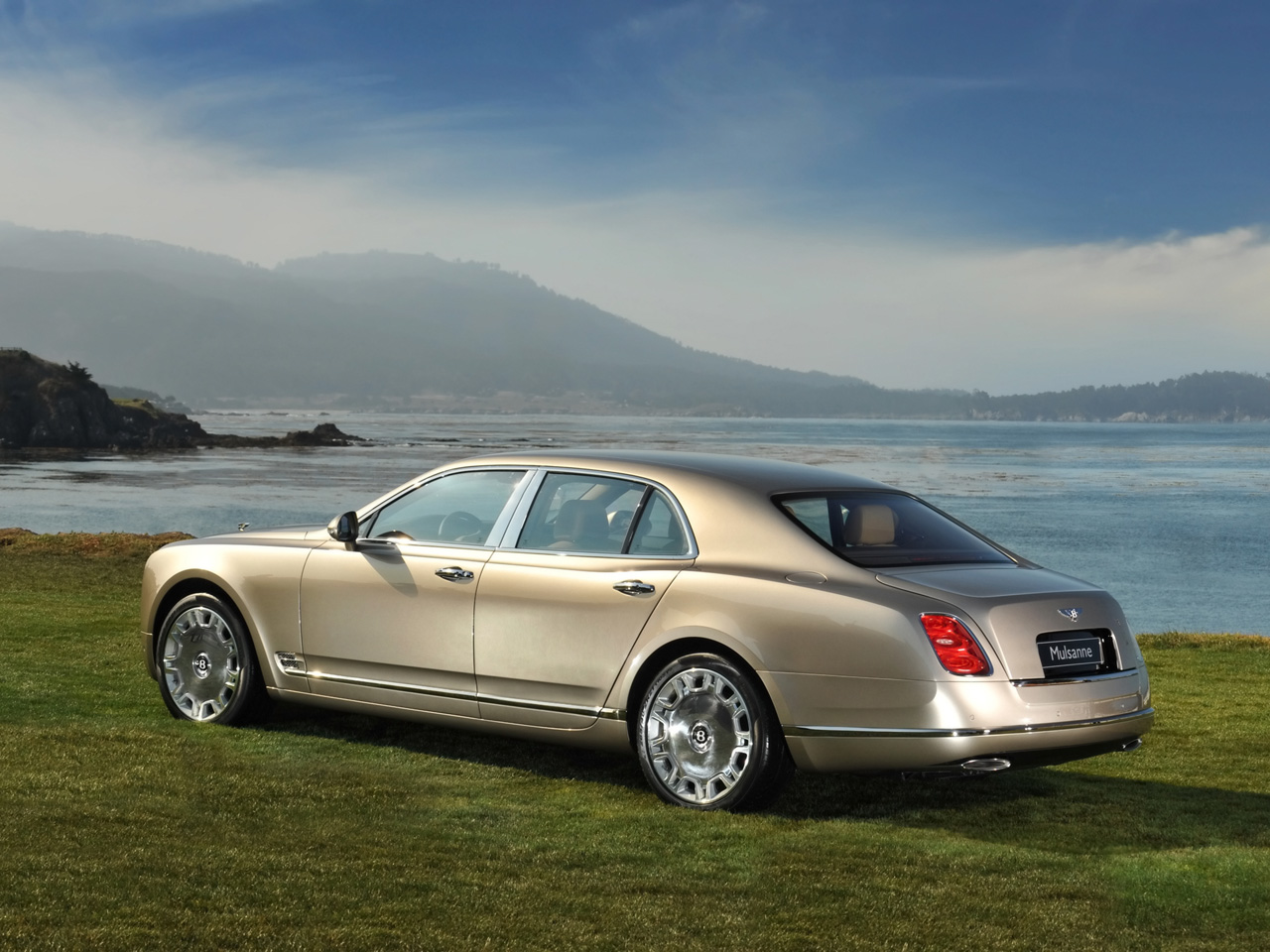 2010-Bentley-Mulsanne-Pebble-Beach-Rear-Angle-1280x960