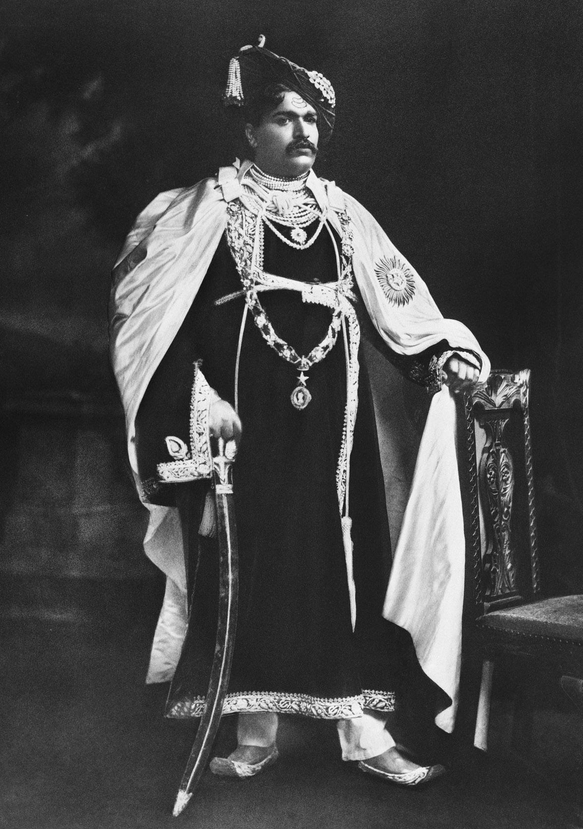 Rajarshi Shahu Maharaj Information Biography Essay in Marathi Language