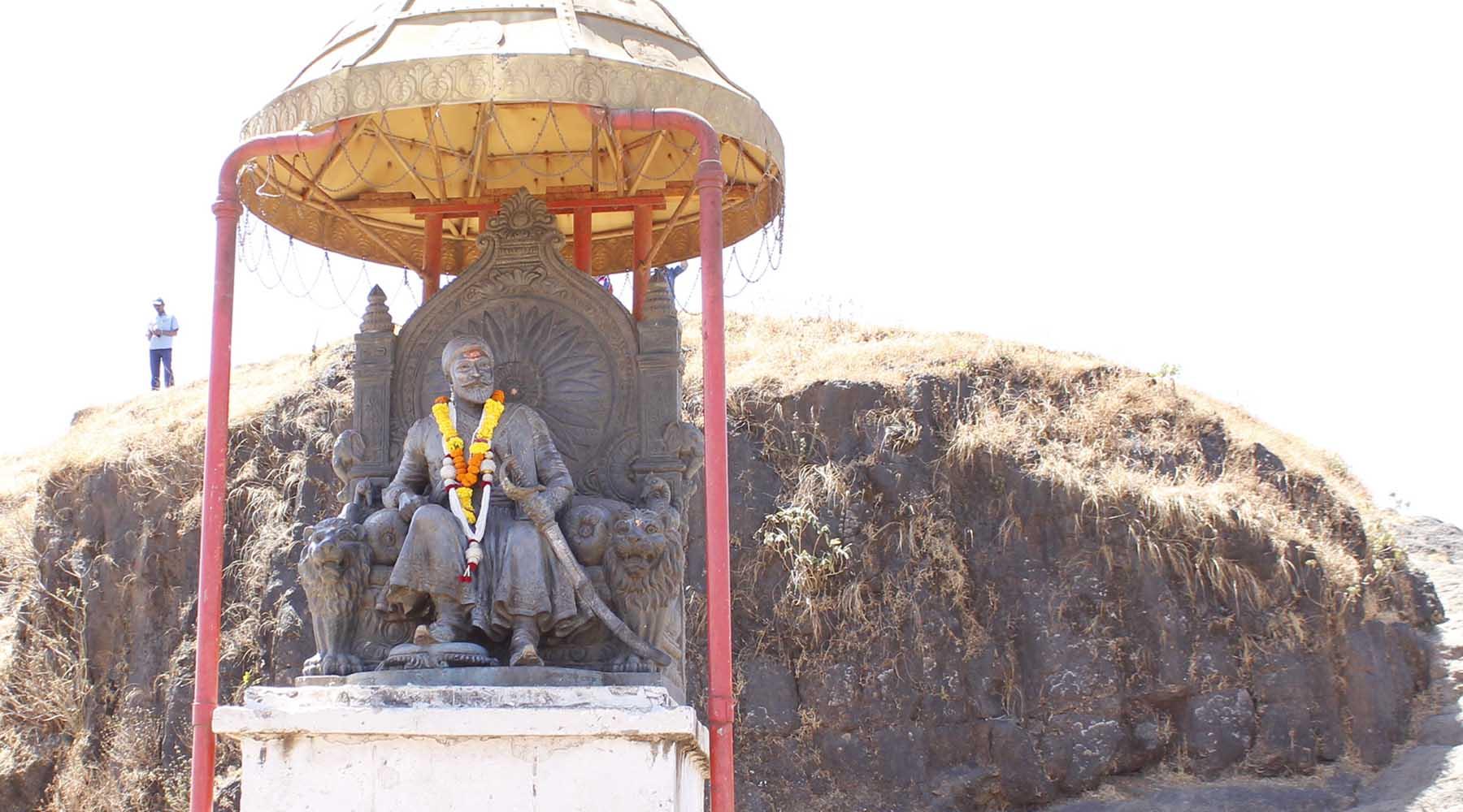 महाराष्ट्राचे आराध्य दैवत! छत्रपती शिवाजी महाराज यांचाबद्दल माहिती निबंध भाषण लेख मराठी मध्ये