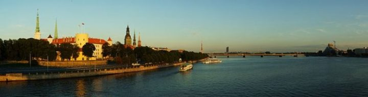 799px-Riga_and_Daugava_-_panorama