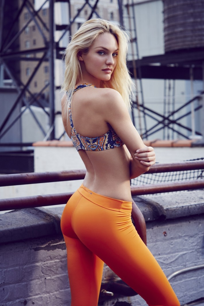 girls-in-yoga-pants-18