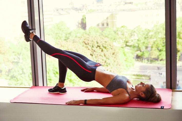 girls-in-yoga-pants-23