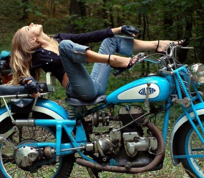 sexy-girls-bikes-14