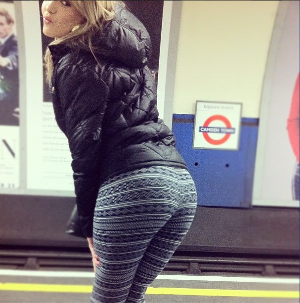 27 Girls And Their Yoga Pants  Collegepill-3192
