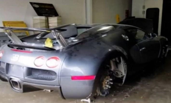 abandoned-supercars-Bugatti-Veyron-18