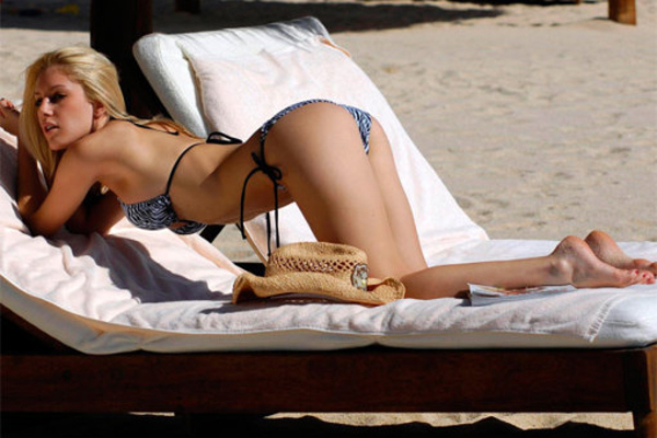 hot-girls-bikinis-2