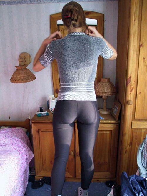 sexy-girls-yoga-pants-14