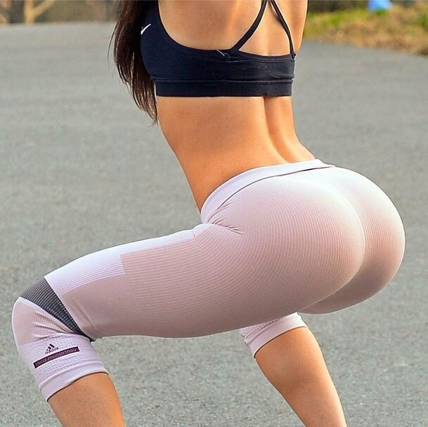 hottest-girls-yoga-pants-3