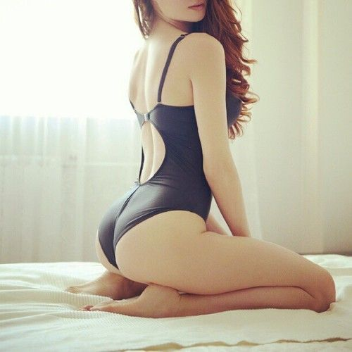hump-day-sexy-girls-4