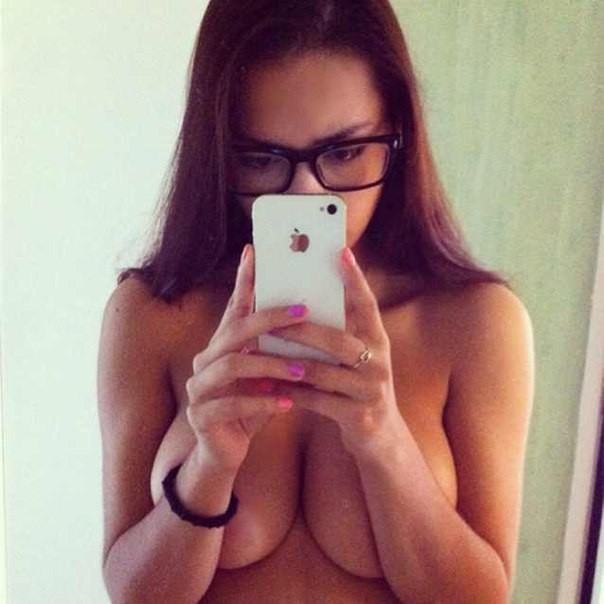 sexy-girls-glasses-17