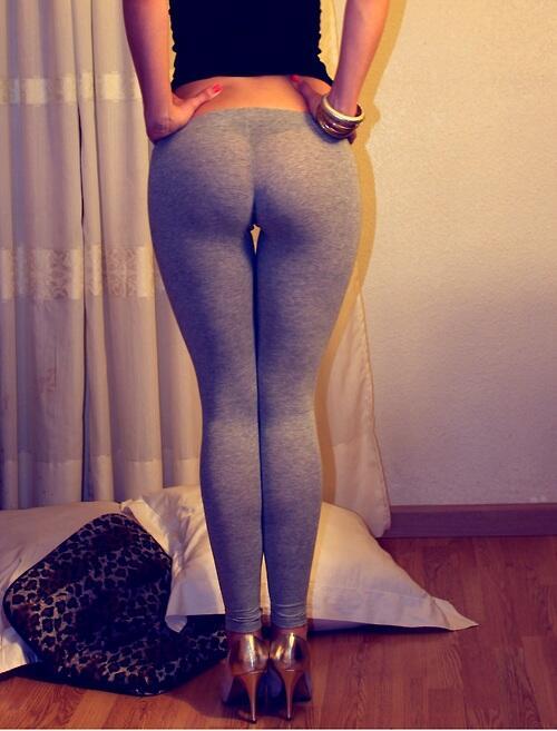 sexy-babes-yoga-pants-13