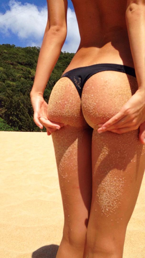 bikini-sand-ass-6
