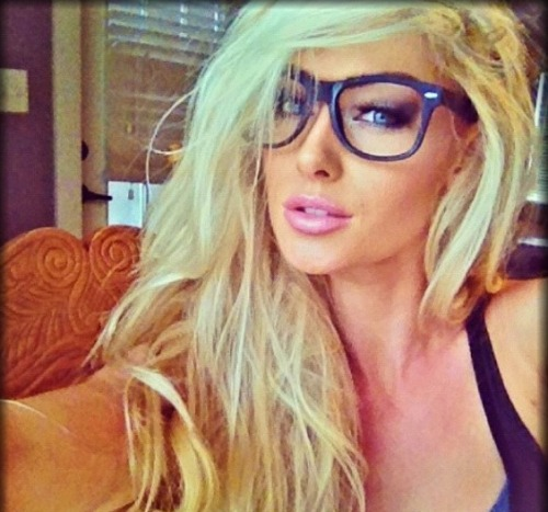 sexy-babes-glasses-25