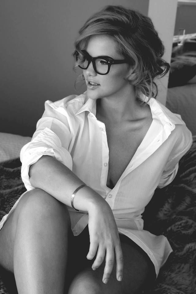 sexy-babes-glasses-35