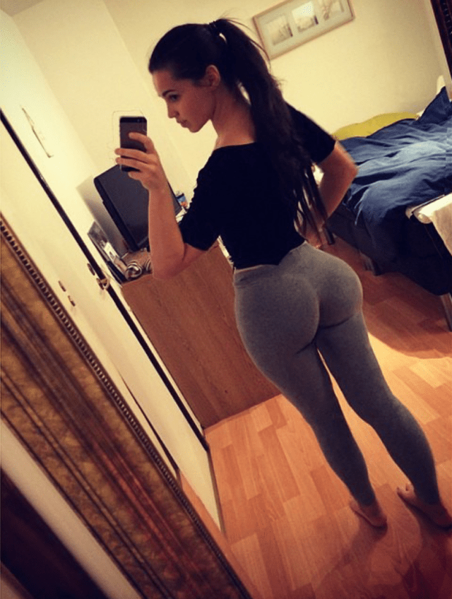 sexy-girls-yoga-pants-3