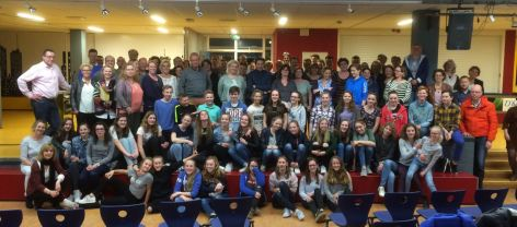 Le groupe des 39 élèves néerlandais , leurs familles et les professeurs