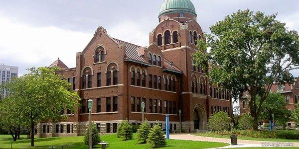Loyola University Chicago : Lake Shore Campus - CollegeTimes