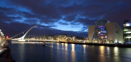 Samuel-Beckett-Bridge-Dublin-City-Night-Lights-Wallpaper-1920x1200