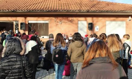 """LA FESTA DI NATALE ALLA CASA FAMIGLIA DI STAGNO FRA CANTI DEL """"PICCOLO CORO DI SAN LUCA"""" E GIOCHI"""