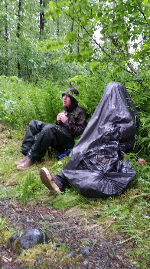 Saddlebag Lunch in the Rain 1