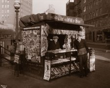blind-newspaper-vendors-mcny-byron-collection-c1900-sep2