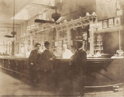 Interior-of-Chapin-Gore-Saloon-c1904-chm-web