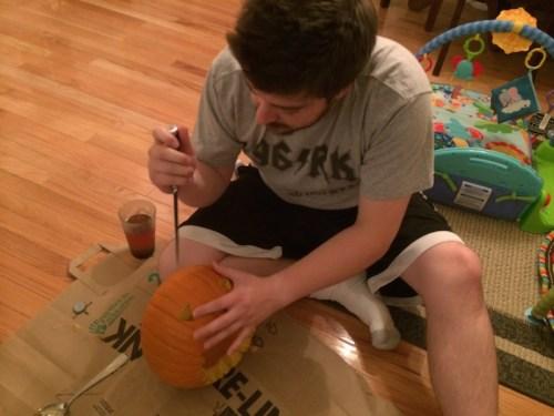 pumpkincarving2014-9