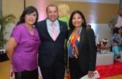 Alba Henriquez, Luis Torres y Leandra Tapia