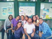 Intecianos en Espera del Trolley de Mayaguez