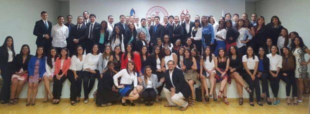 Foto grupal de los jóvenes investigadores que participaron en la Jornada BIO-INTEC 2016