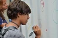Los nuevos estudiantes de la universidad dejaron un mensaje en varios divertidos murales.