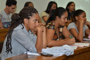 Estudiantes que asistieron a la charla.