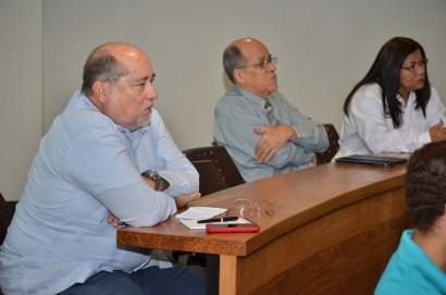Decano de Ciencias de la Salud, Raymundo Jiménez y Jimmy Barranco, oordinador de la Especialidad en Nutriología Clínica