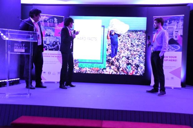 Integrantes del equipo Plastic Solutions