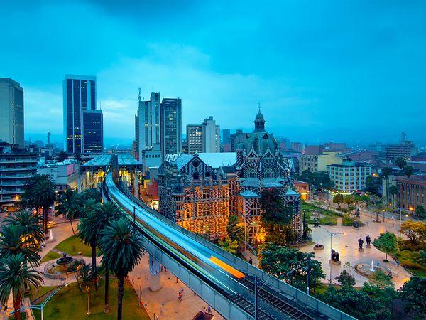 cityscape-metro-medellin-columbia_86178_600x450