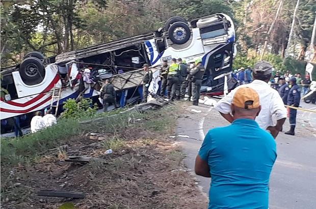 5 doden en 16 gewonden bij busongeluk in Córdoba
