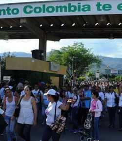 Venezuela heropent grens met Colombia