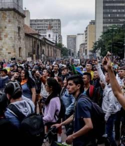 Duizenden de straat op in Colombia in protest tegen de regering