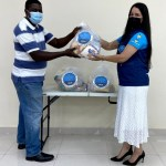 Entrega de bolsas de alimentos en ciudad de panama