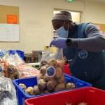 Durante toda la pandemia nuestros voluntarios han demostrado que mejor es dar que recibir.