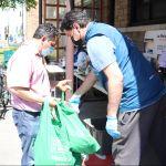 Familias reciben ayudas de alimentos en tiempos de pandemia