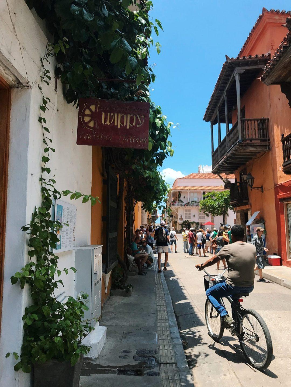 rues et vélos Carthagène des Indes Colombie