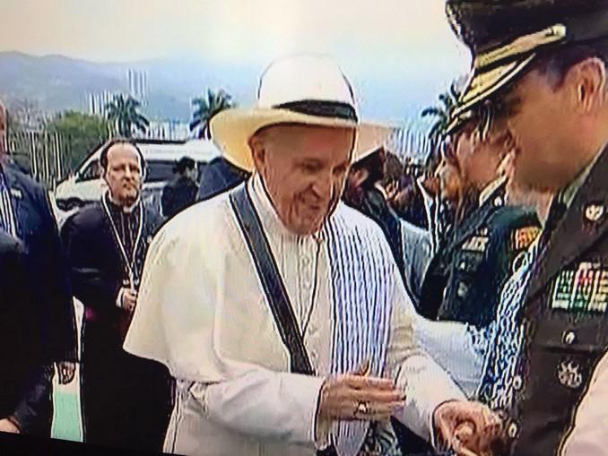 papa sombrero carriel y poncho antioquia 2