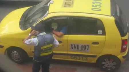 agente de tránsito bucaramanga