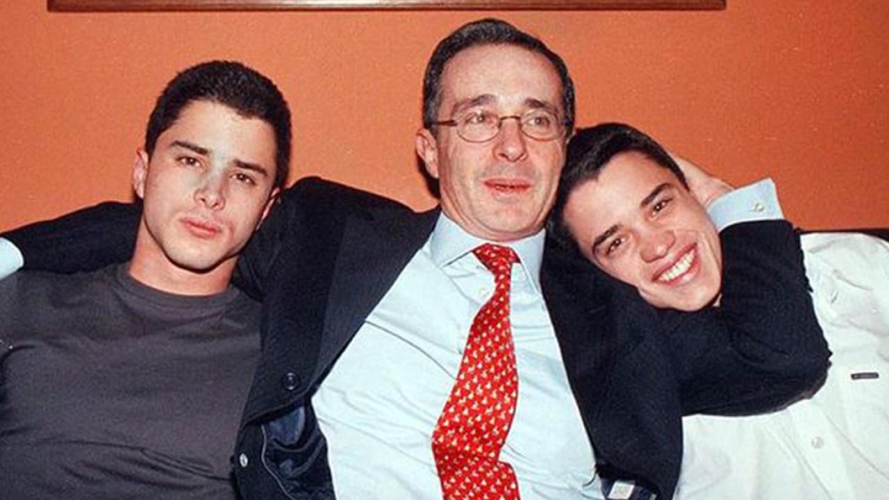 Según Tomás, hijo de Uribe, su fortuna la consiguió trabajando de sol a sol